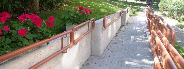Barrierefreie Aussenlage eingebettet in neue Gartenanlage