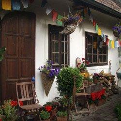 Vergrösserte Fenster und Türen nach der Restaurierung