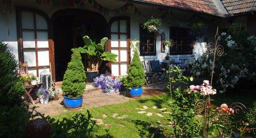 Terrasse im Bauerngarten