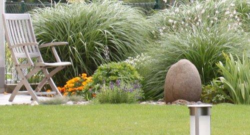 Plätze und Wege im Garten