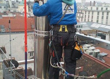 Seiltechnik bei Kaminkopfmontage