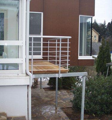Planung und Umbau eines Kleingartenhauses in Hanglage