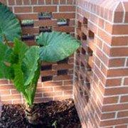 Pflasterklinker in der Gartengestaltung für Einfriedungen und Beeteinfassungen