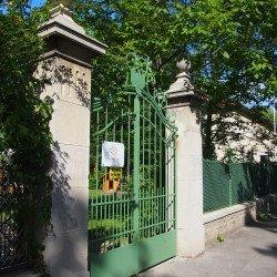 Sanierung mit Denkmalschutzauflagen Denkmalschutz Zusammenwirken von Baumeister, Steinmetze und Kunstschlosser