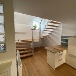 Loftwohnung mit Treppe in Leichtbau